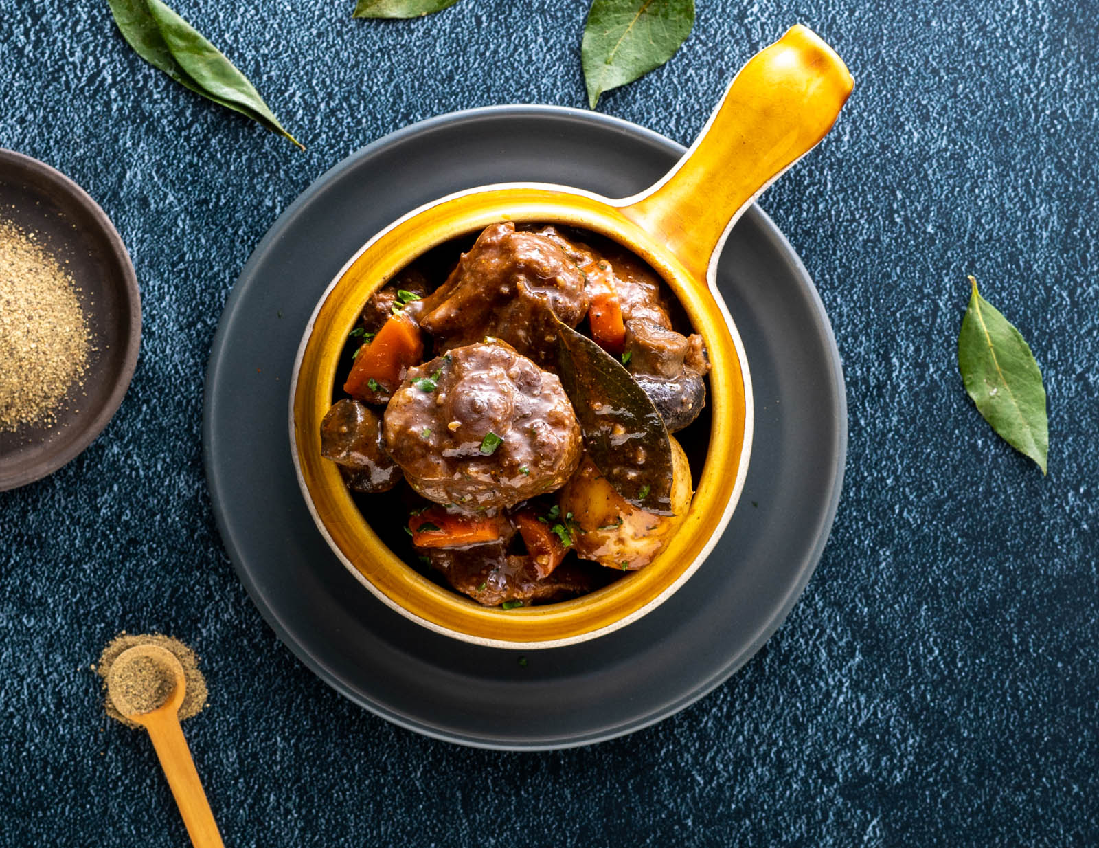 Bay Leaf and Black Pepper Oxtail Potjie